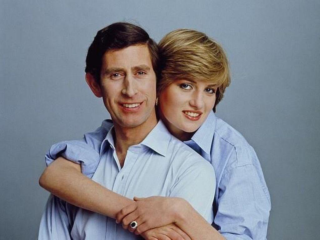 Foto Pertunangan Keluarga Kerajaan Inggris Zaman Old VS Zaman Now
