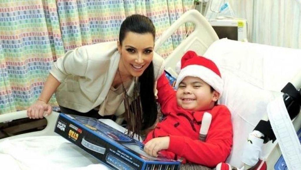Deretan Tokoh yang Rayakan Natal dengan Mengunjungi Orang Sakit