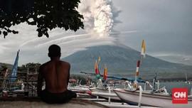 Pemerintah Turunkan Radius Batas Aman Gunung Agung
