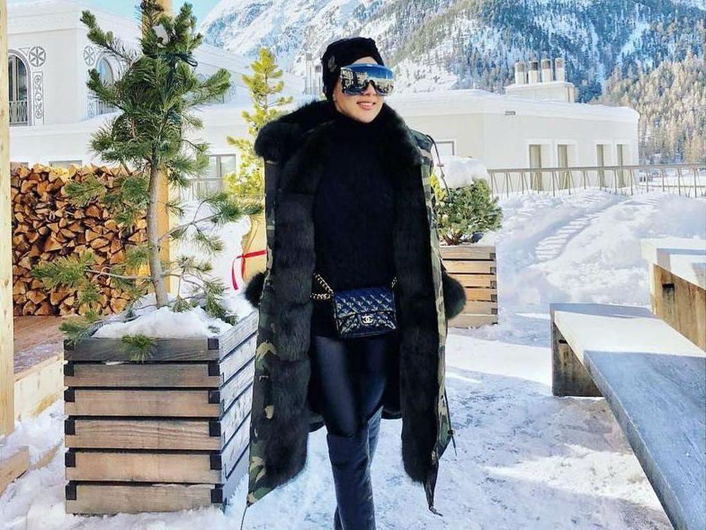 Foto: Intip Gaya Fashion Miliaran Rupiah Syahrini Liburan di Swiss