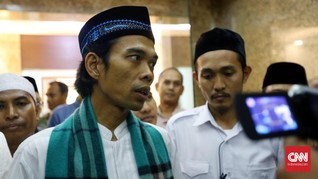 Abdul Somad Berlinang Air Mata Doakan Rizieq dari Monas