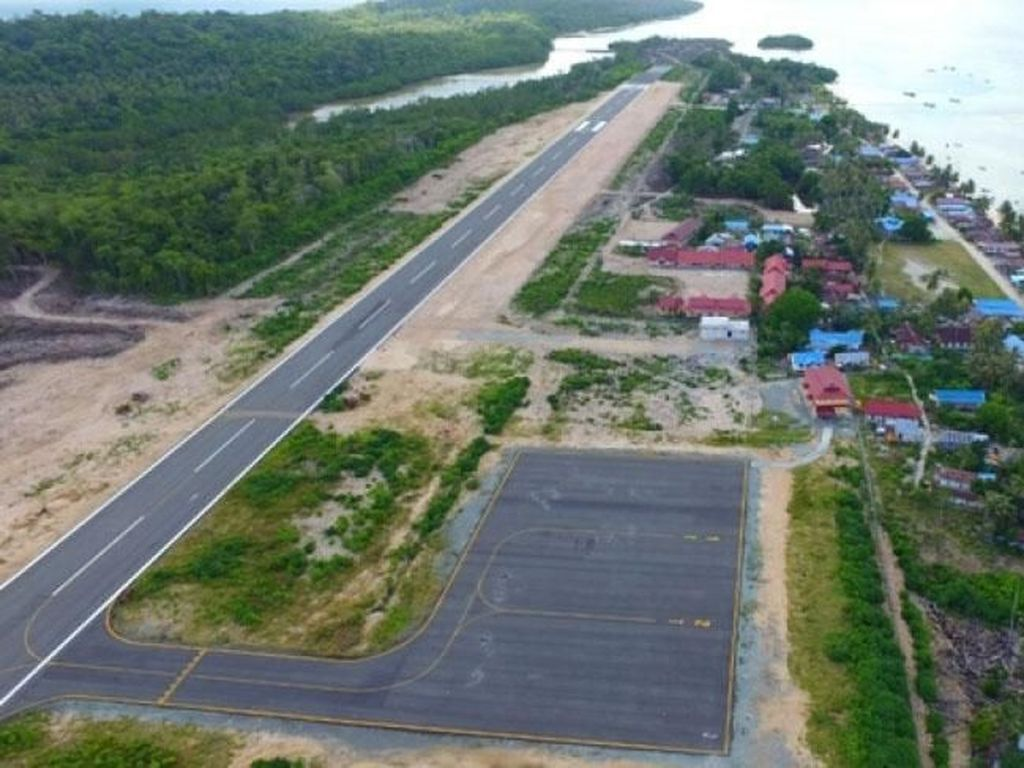 Bandara Miangas menjadi salah satu bandara yang diresmikan pemerintah pada 2017 lalu (Foto: Pool)