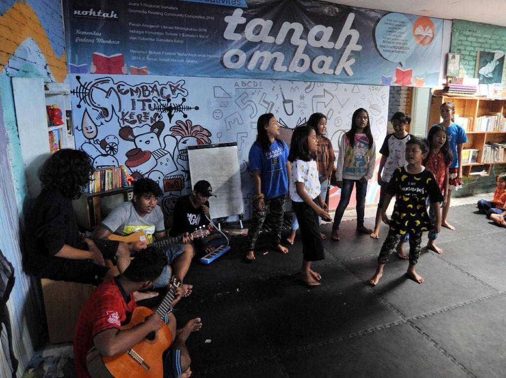 Ruangan ini adalah sarana pendukung Kota Layak Anak (KLA), di Padang, Sumatera Barat, Rabu (27/12). Pool/Pemkot Padang.