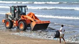 Buang Sampah ke Sungai, Menyumbang 'Beban' ke Lautan