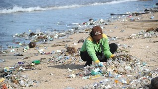 Bandara di Amerika Larang Air Minum dalam Botol Plastik