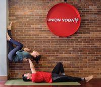 Tatjana Saphira makin cantik aja nih! Pantas, ia kerap berolahraga salah satunya yoga. Hmm sudah mirip profesional belum? (Foto: Instagram/tatjanasaphira)