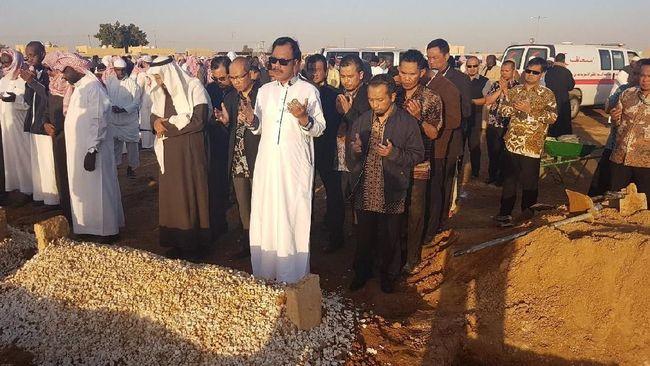 KBRI Riyadh Makamkan WNI yang Wafat Akibat Serangan Jantung