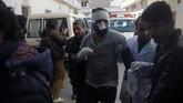 Kebanyakan korban adalah pelajar yang sedang menghadiri panel diskusi, sebagian besar menderita luka bakar. (AFP PHOTO / SHAH MARAI)