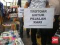 Koalisi Pejalan Kaki Kecewa Trotoar Tanah Abang Belum Steril