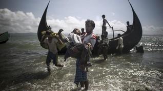 Nelayan Aceh Selamatkan 5 Warga Rohingya di Laut Lepas