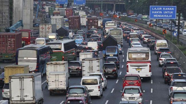 Tahun Baru, Volume Kendaraan ke Luar Jakarta Naik 41 Persen