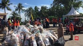 VIDEO: Pengunjung Ancol Kumpulkan 1 Ton Sampah dalam Satu Jam