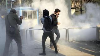 Ratusan Demonstran Ditangkap di Teheran, Lima Petugas Tewas