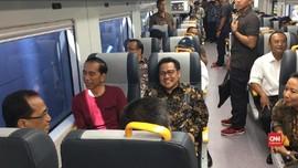 VIDEO: Usai Resmikan, Jokowi Langsung Coba Kereta Bandara