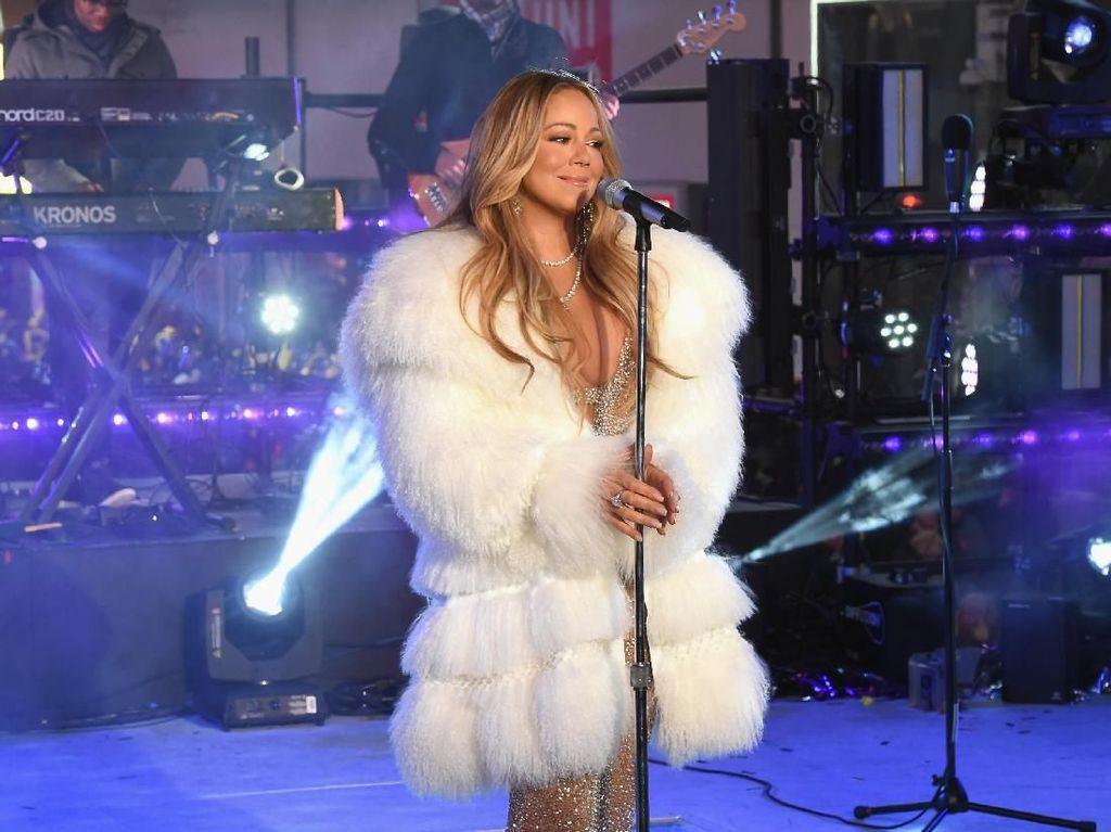 Mariah Carey Mandi Susu untuk Rawat Kecantikan Kulit