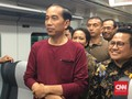 Jokowi Soal Kaus: <i>Ntar</i> Bosan Kalau Pakai Jas