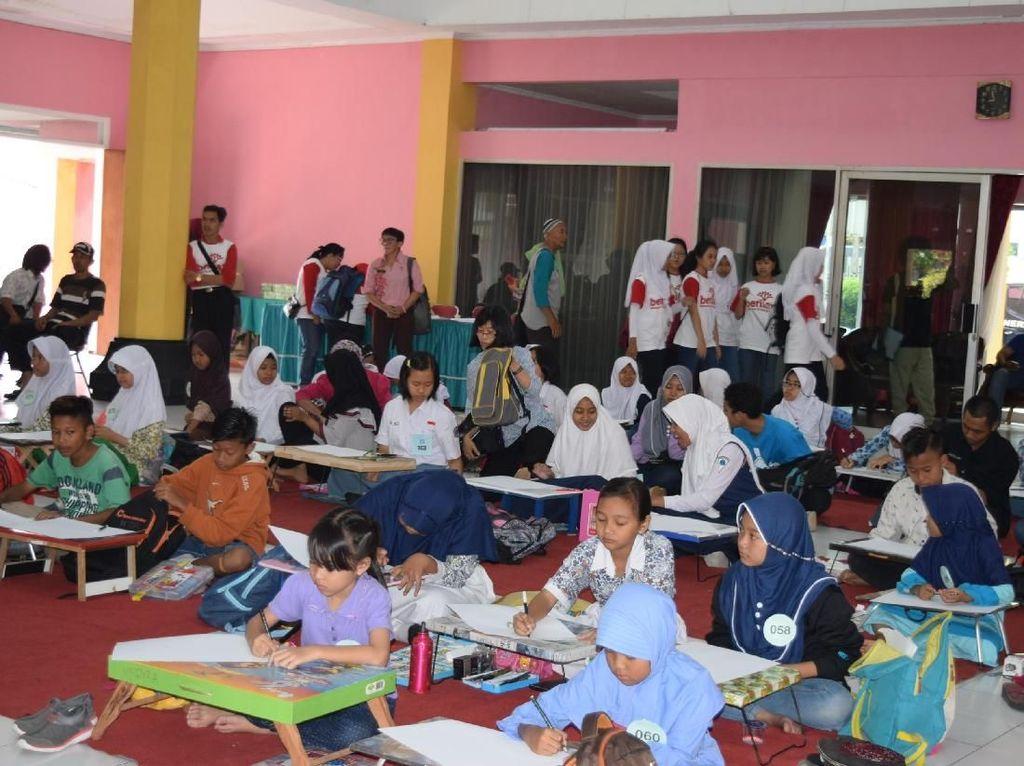 Kunjungan tim Media Trip Kota Layak Anak 2017, kementerian Pemberdayaan Perempuan dan Perlindungan Anak (KPPPA), Komunitas Rumah Anak dan Warga Pedulu Aids (WPA) di Kelurahan Kemirirejo Kota Magelang.istimewa