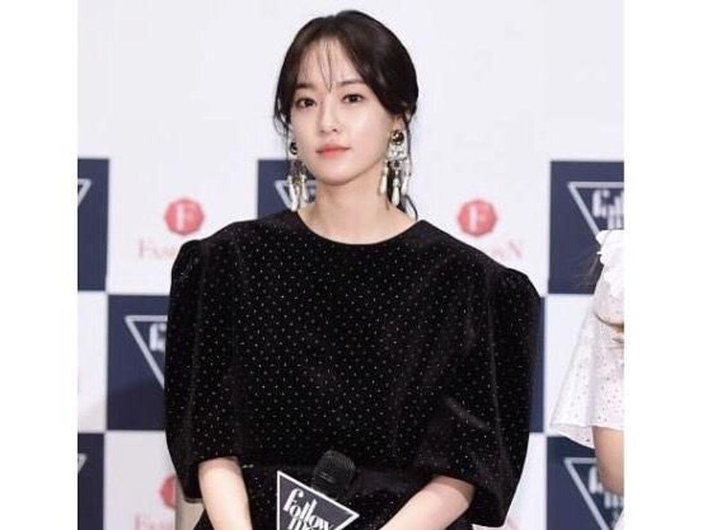 Foto: Gaya Stylish Lee Joo Yeon, Wanita yang Kepergok Kencan dengan G-Dragon