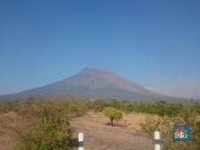 Aktivitas Menurun, Status Gunung Agung Diturunkan Jadi Siaga