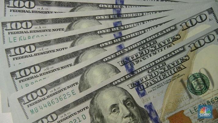 Nilai tukar rupiah terhadap dolar Amerika Serikat (AS) di kurs acuan masih melemah. Rupiah juga bernasib serupa di pasar spot.