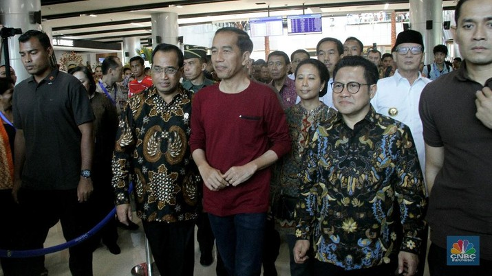Jokowi kembali menekankan agar para Kepala Daerah, Menteri dan Direksi BUMN untuk bergerak cepat dalam merespons perubahan global.