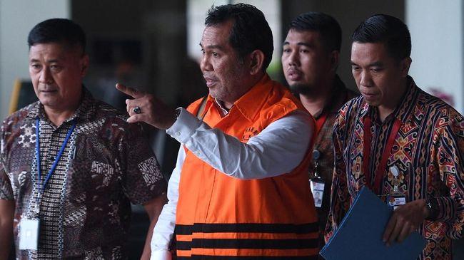 KPK Sita 7 Truk Molen Terkait TPPU Bupati Hulu Sungai Tengah