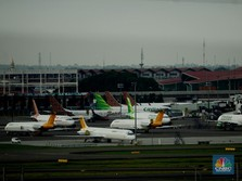 Kenapa Ponsel & Laptop Wajib Dimatikan Ketika di Pesawat?