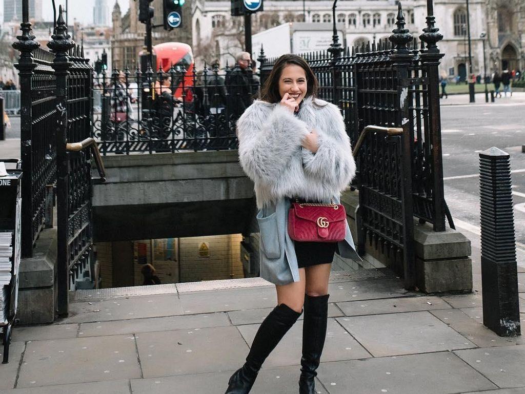 Foto: 10 Gaya Kece Pevita Pearce Saat Liburan ke London