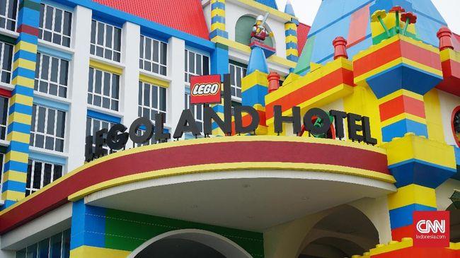Bermalam Bersama Kepingan Lego