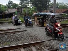 Perlintasan Sebidang Kereta Masih Jadi Algojo di Jalan