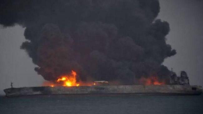Kapal Tanker Terbakar di Perairan Hong Kong, Satu Awak Tewas