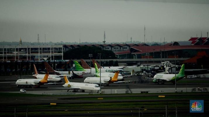Harga Tiket Pesawat LCC Dipangkas 50%, Saham Maskapai Amblas!