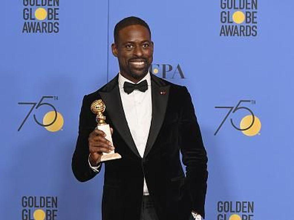 Serba Hitam, Penampilan 10 Seleb Tampan di Golden Globes 2018