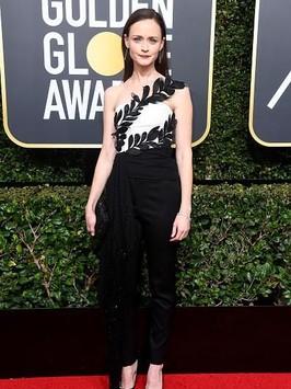 Tanpa Gaun, 10 Aktris Ini Tetap Menawan Pakai Celana di Golden Globes 2018