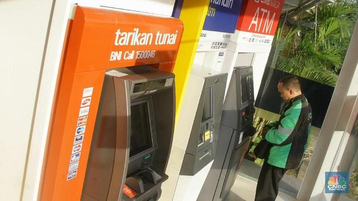 Saham BCA & BRI Rekor, Bobot Sektor Perbankan Capai 33,5%
