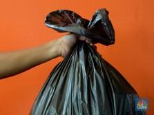 Memaksa Masyarakat Irit Pakai Plastik Lewat Cukai