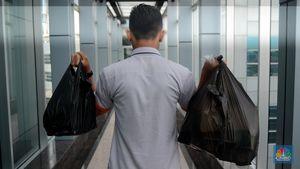 Kebijakan Kantong Plastik Kena Cukai Masih Gantung