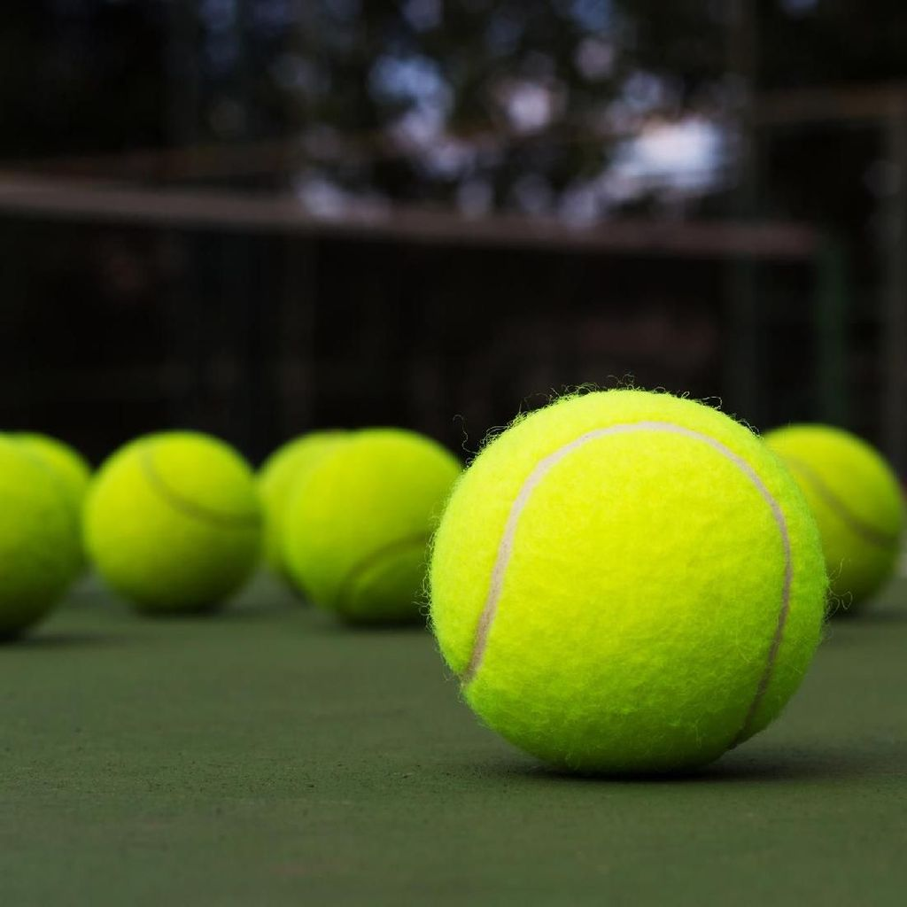 Kena Bola Tenis di Dada, Jantung Pria Ini Berhenti Mendadak