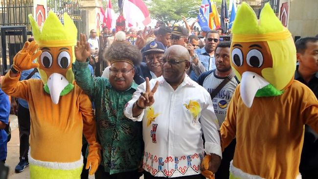 Cagub Papua Lukas Enembe-Klemen Punya Dana Kampanye Terbesar