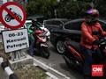 Remaja Bermotor Masuk di Tol Tomang, Rambu Disoroti