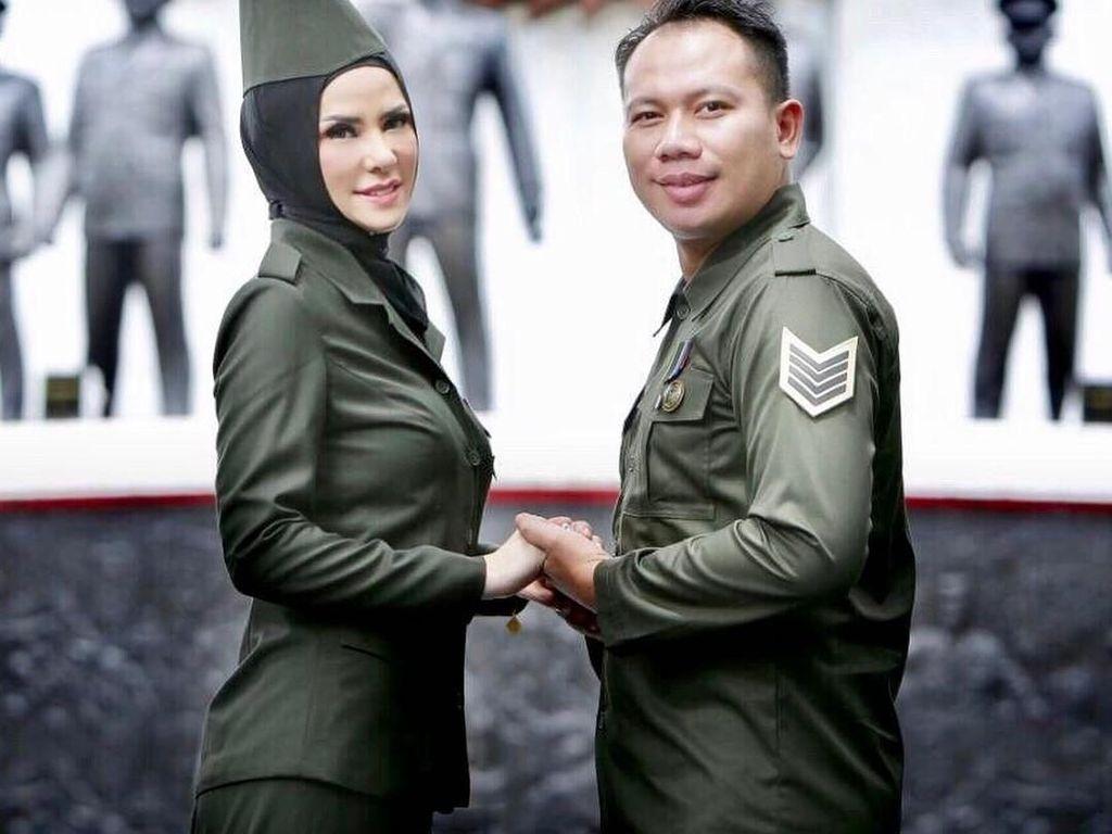 Mengintip Foto Prewedding Angel Lelga & Vicky Prasetyo Bertema Kebangsaan