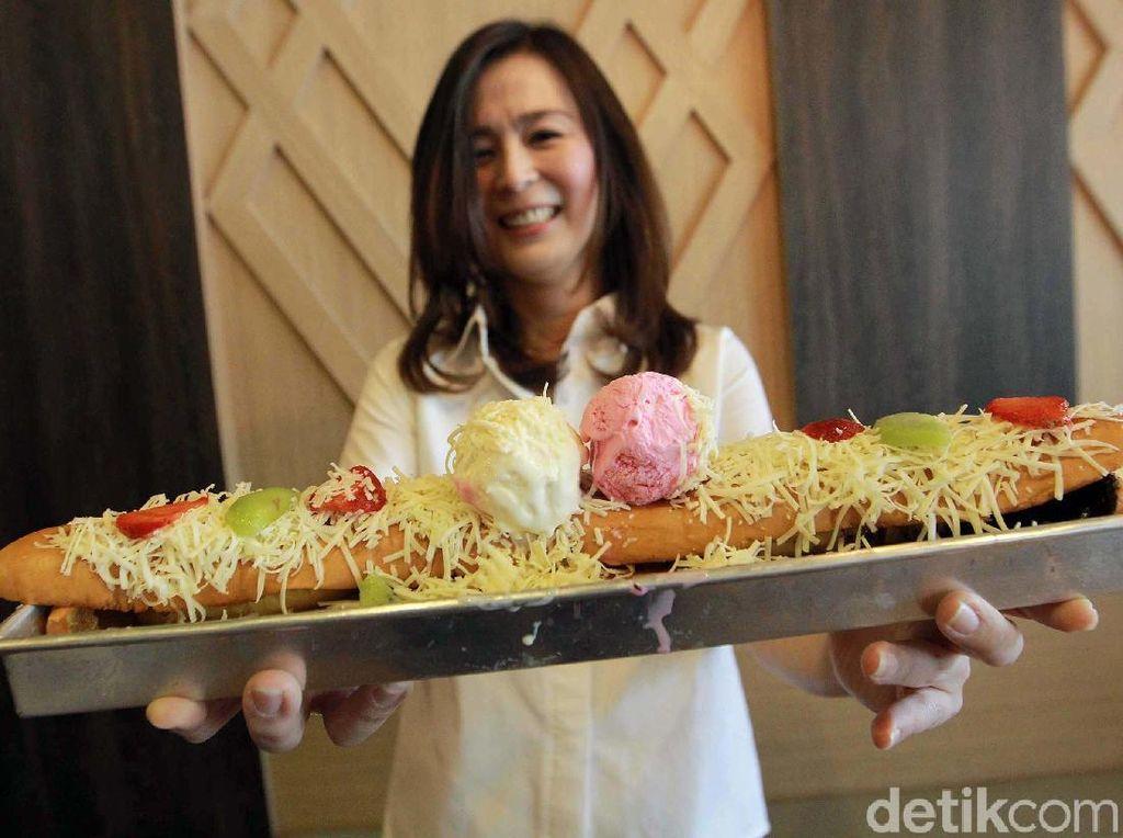 Ini salah satu makanan Roti favorit yang laris manis di gerai Roti Bakar 543 Jakarta. (dok. SAE)