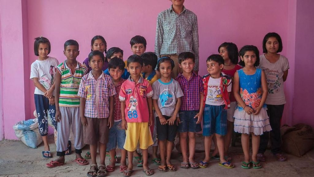 Foto: Karan Singh yang Disebut Bocah 8 Tahun Tertinggi di Dunia