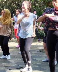 Cynthia Riza yang merupakan istri dari vokalis Nidji, Giring, sangat memerhatikan kesehatannya. Terlihat bahwa ia juga kerap berolahraga untuk menjaga kebugaran tubuh. (Foto: Instagram/@cynthiariza)