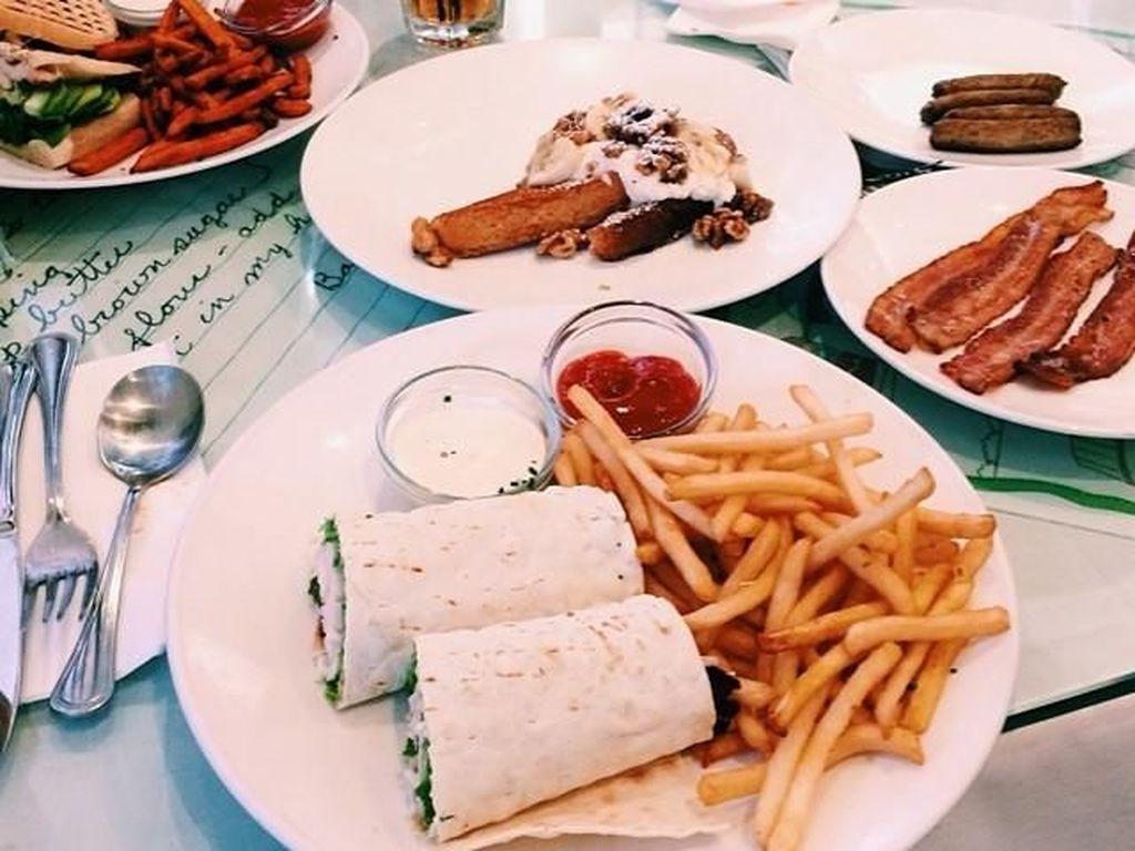 Ini tampilan sajian makanan Kylie. Ko porsinya terlihat banyak ya? Foto: Instagramkyliejenner