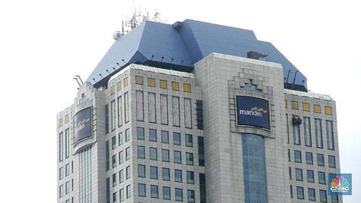 PT Bank Mandiri (Persero) Tbk tertarik untuk mengembangkan program student loan.