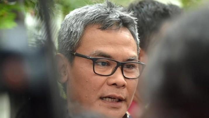 Anggota DPR RI Fraksi PDIP sekaligus mantan Jubir Istana Johan Budi SP menyatakan revisi UU KPK melemahkan lembaga anti rasuah tersebut.