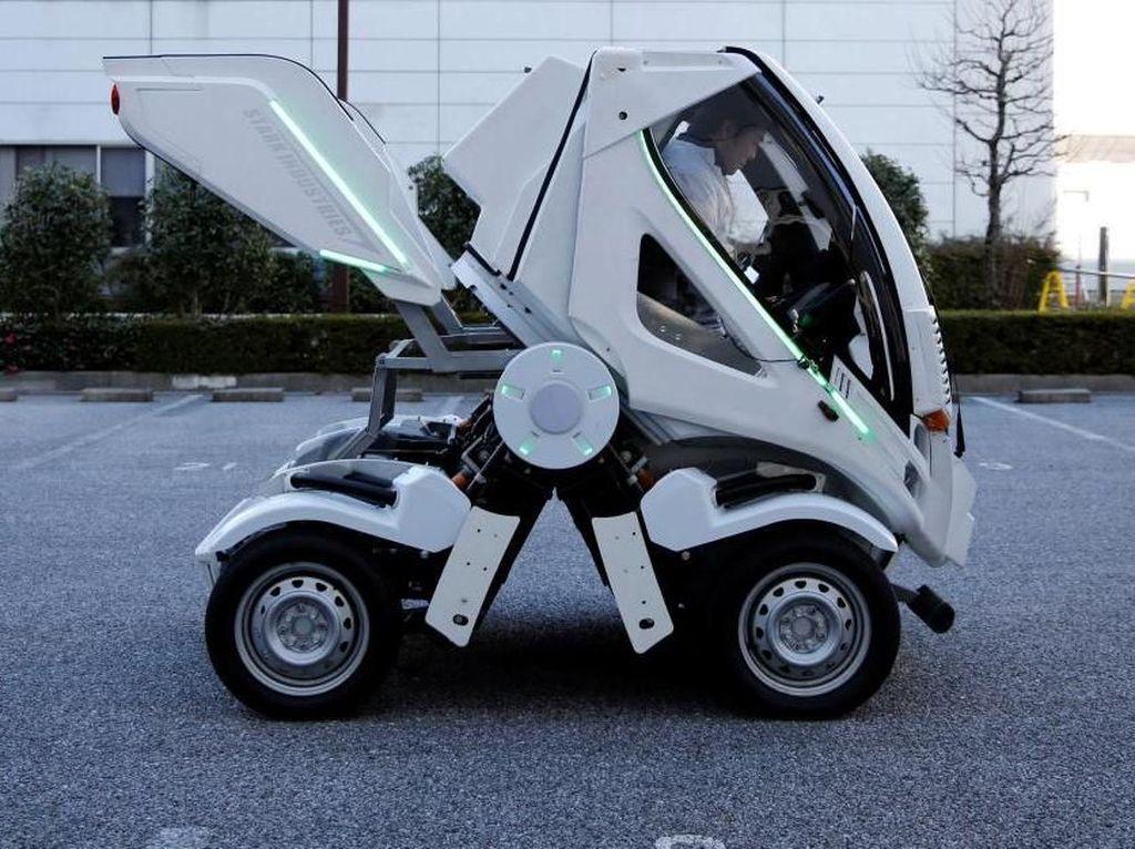 Bosan merancang berbagai desain robot, kapal, atau objek mekanik lainnya di dalam anime, Okawara ingin membuat mobil seperti Gundam ataupun Optimus Prime di Transformers versi nyata.Foto: Reuters