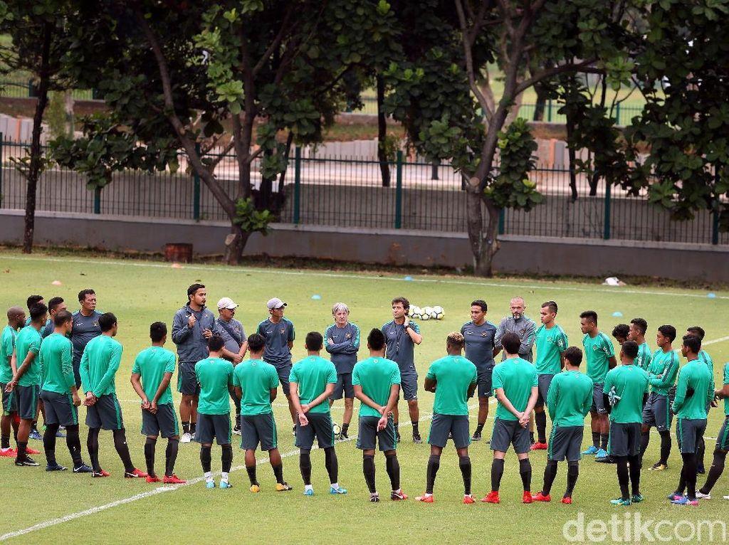 Skuat Garuda memiliki komposisinya gabungan antara pemain Timnas U-23 dan beberapa pemain senior terbaik bangsa.
