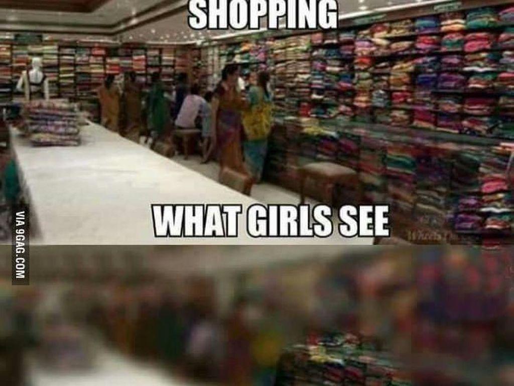 Pandangan wanita ke segala arah saat belanja dan pria fokus pada barang yang diincarnya. Foto: istimewa